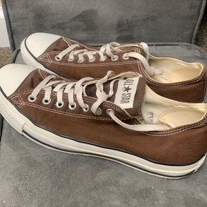 CONVERSE CHUCK TAYLOR ALL STAR SHOES LOW TOP IN CHOCOLATE BROWN 1Q112 UNISEX